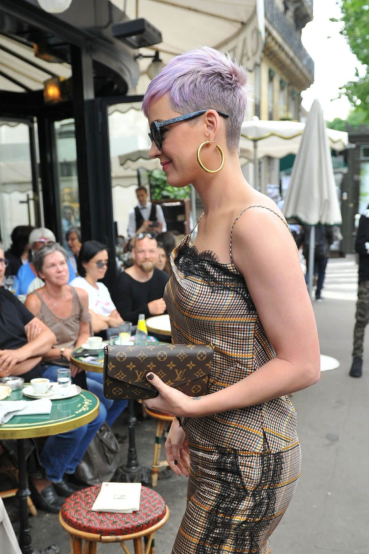 Katy Perry Out for Lunch at Cafe De Flore in Paris 2018/05/30 5