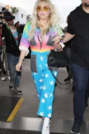 Kesha at LAX Airport in Los Angeles 2018/06/04 2