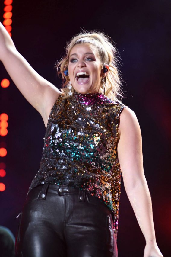 Lauren Alaina at 2018 CMA Fest Night at Nissan Stadium in Nashville 2018/06/08 19