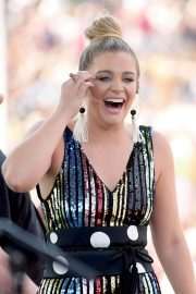 Lauren Alaina at 2018 CMA Festival at Chevy Riverfront Stage in Nashville 2018/06/07 1