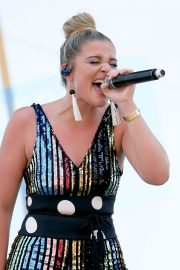 Lauren Alaina at 2018 CMA Festival at Chevy Riverfront Stage in Nashville 2018/06/07 2