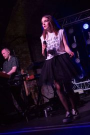 Lauren Mayberry Performs at House of Vans in London 2018/05/25 3
