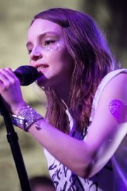 Lauren Mayberry Performs at House of Vans in London 2018/05/25 5