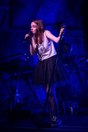 Lauren Mayberry Performs at House of Vans in London 2018/05/25 10