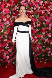 Laurie Metcalf at 2018 Tony Awards in New York 2018/06/10 5