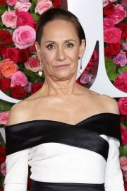 Laurie Metcalf at 2018 Tony Awards in New York 2018/06/10 6