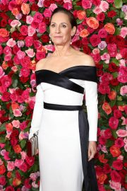 Laurie Metcalf at 2018 Tony Awards in New York 2018/06/10 7