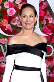 Laurie Metcalf at 2018 Tony Awards in New York 2018/06/10 11
