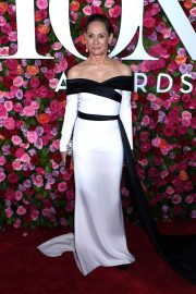 Laurie Metcalf at 2018 Tony Awards in New York 2018/06/10 13