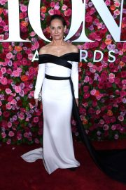 Laurie Metcalf at 2018 Tony Awards in New York 2018/06/10 14