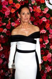 Laurie Metcalf at 2018 Tony Awards in New York 2018/06/10 16