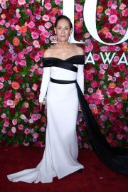 Laurie Metcalf at 2018 Tony Awards in New York 2018/06/10 17