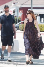 Leslie Mann and Judd Apatow Shopping at Brentwood Country Mart 2018/06/03 7
