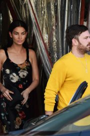 Lily Aldridge and Caleb Followill Out for Dinner in Los Angeles 2018/06/20 7