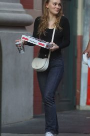 Lily-Rose Depp Out for Pizza in New York 2018/05/30 1