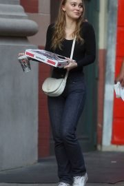 Lily-Rose Depp Out for Pizza in New York 2018/05/30 4