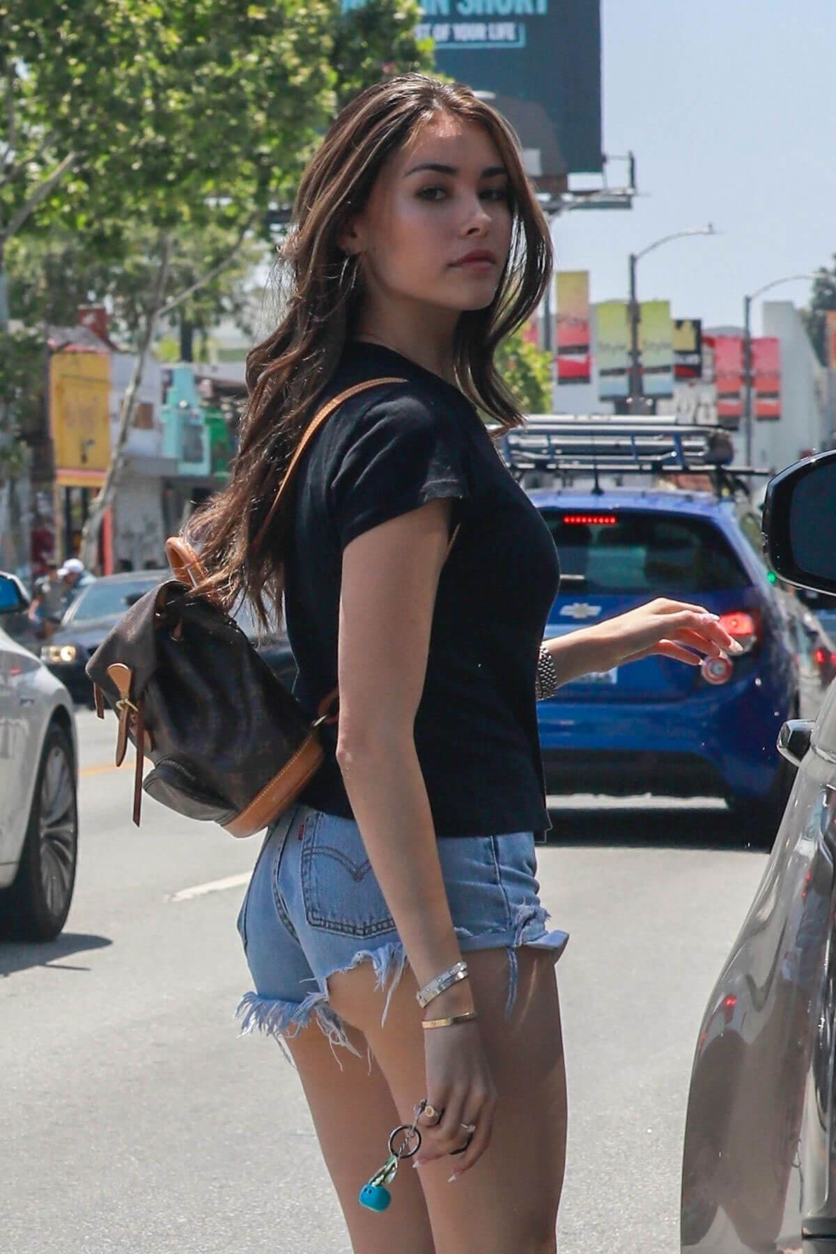 Madison Beer in Denim Shorts Out in Los Angeles 2018/06/01 16