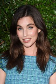 Margaret and Rainey Qualley at Chanel Dinner Celebrating Our Majestic Oceans in Malibu 2018/06/02 3