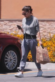 Mila Kunis Out Shopping in Los Angeles 2018/06/11 2