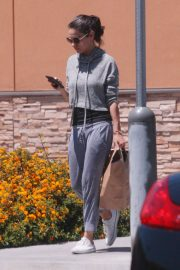 Mila Kunis Out Shopping in Los Angeles 2018/06/11 5