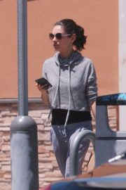 Mila Kunis Out Shopping in Los Angeles 2018/06/11 11