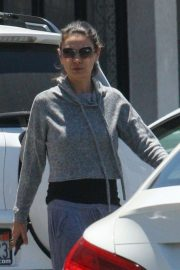 Mila Kunis Out Shopping in Los Angeles 2018/06/11 13