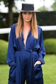 Millie Mackintosh at Investec Derby Festival Ladies Day at Epsom Racecourse 2018/06/01 9