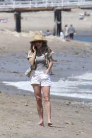 Minnie Driver Out on the Beach in Los Angeles 2018/05/30 1