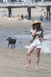 Minnie Driver Out on the Beach in Los Angeles 2018/05/30 4