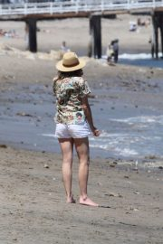 Minnie Driver Out on the Beach in Los Angeles 2018/05/30 6