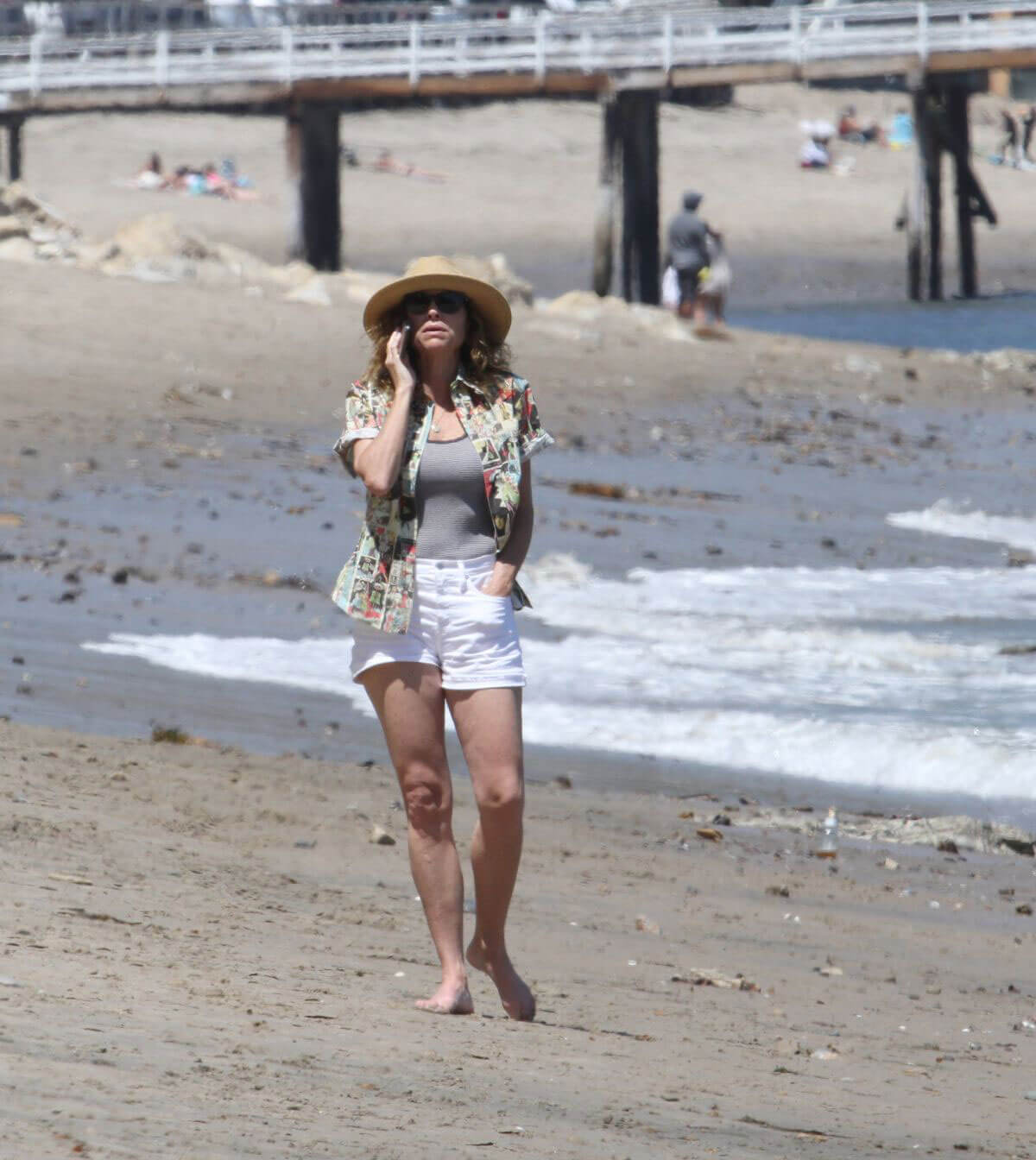 Minnie Driver Out on the Beach in Los Angeles 2018/05/30 8