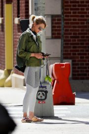 Naomi Watts Out with Her Dog in New York 2018/06/11 2