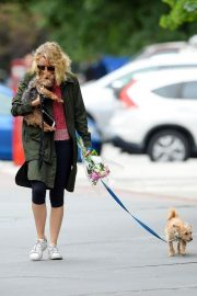 Naomi Watts Out with Her Dogs in New York 2018/05/30 8