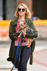 Naomi Watts Out with Her Dogs in New York 2018/05/30 10