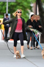 Naomi Watts Out with Her Dogs in New York 2018/05/30 11