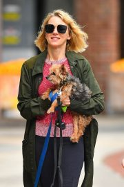 Naomi Watts Out with Her Dogs in New York 2018/05/30 12