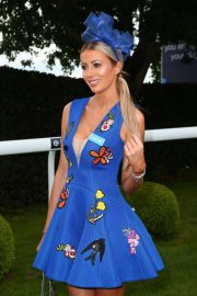 Olivia Attwood at Investec Derby Festival Ladies Day at Epsom Racecourse 2018/06/01 3