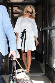 PAMELA ANDERSON Leaves Megyn Kelly Today Show in New York 2018/06/06 3