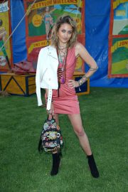 Paris Jackson at Moschino Fashion Show in Los Angeles 2018/06/08 6