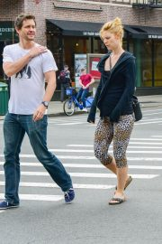 Pregnant Claire Danes and Hugh Dancy Out in New York 2018/05/29 2