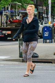 Pregnant Claire Danes and Hugh Dancy Out in New York 2018/05/29 4