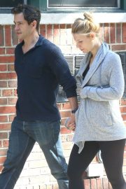 Pregnant Claire Danes and Hugh Dancy Out in New York 2018/06/12 7