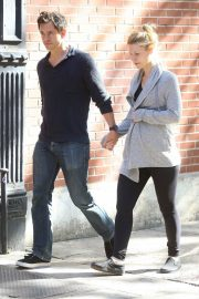 Pregnant Claire Danes and Hugh Dancy Out in New York 2018/06/12 8