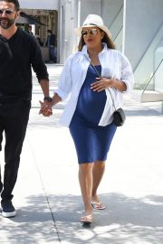 Pregnant Eva Longoria Out for Lunch at Porta Via in Beverly Hills 2018/06/07 2
