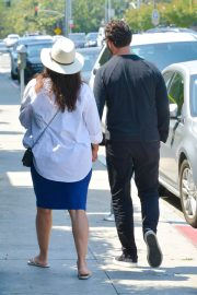 Pregnant Eva Longoria Out for Lunch at Porta Via in Beverly Hills 2018/06/07 4