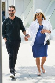 Pregnant Eva Longoria Out for Lunch at Porta Via in Beverly Hills 2018/06/07 5