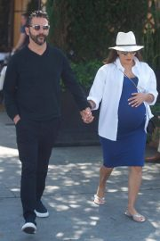 Pregnant Eva Longoria Out for Lunch at Porta Via in Beverly Hills 2018/06/07 11