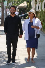 Pregnant Eva Longoria Out for Lunch at Porta Via in Beverly Hills 2018/06/07 13