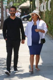 Pregnant Eva Longoria Out for Lunch at Porta Via in Beverly Hills 2018/06/07 14
