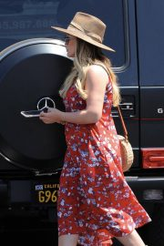 Pregnant Hilary Duff Out in Los Angeles 2018/06/09 1